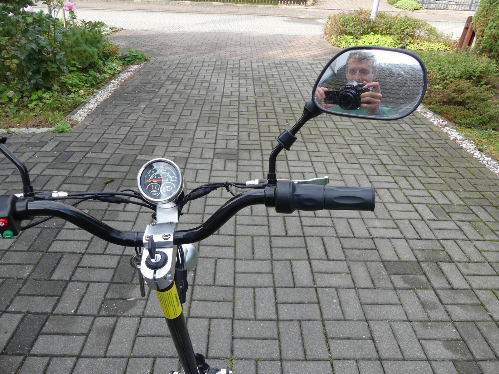 Lenker eines Elektro Scooter im Test